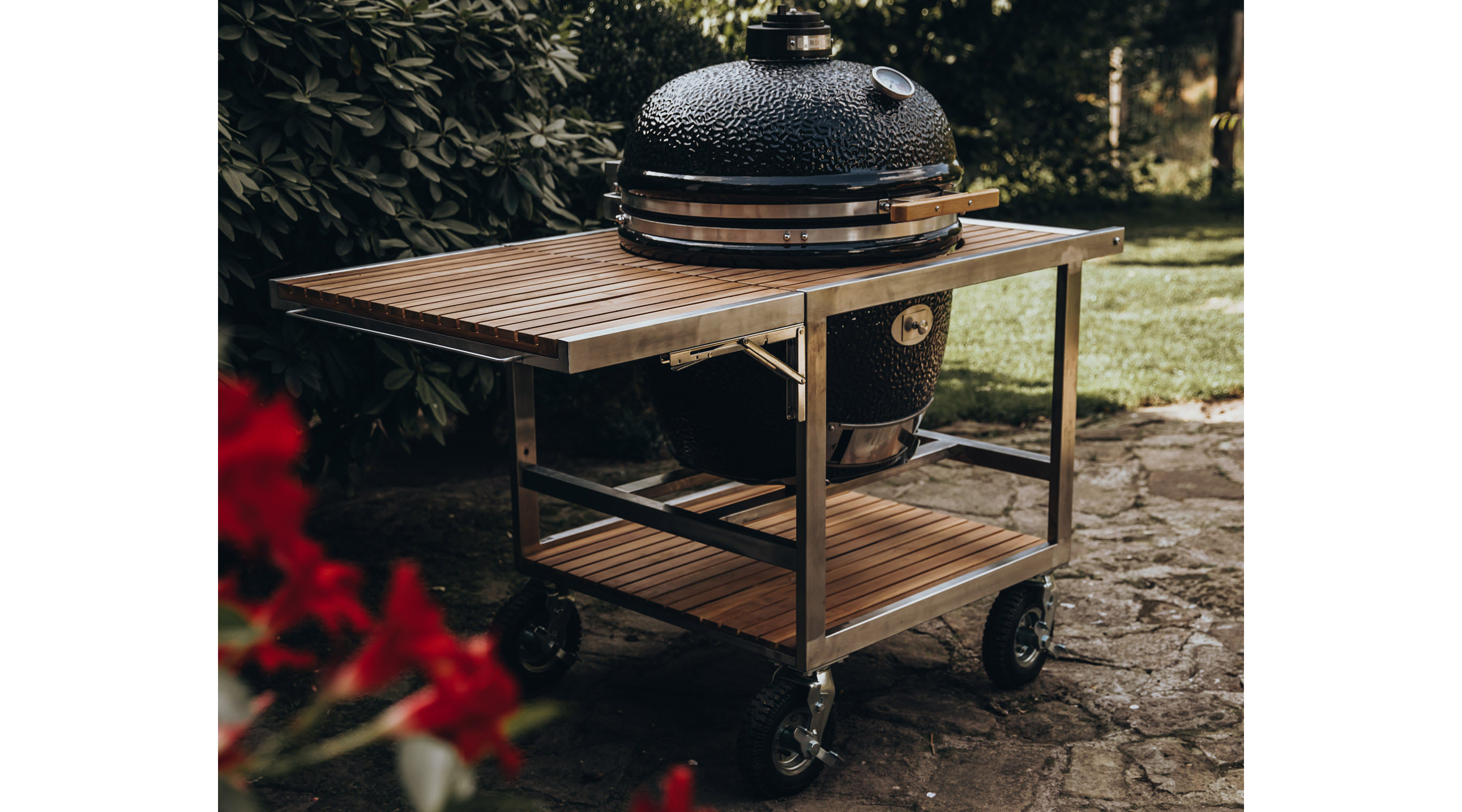 classic buggy by monolith grills the ultimate living company classic buggy by monolith grills
